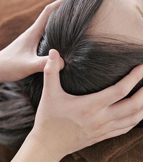 育毛を促す頭皮マッサージで血行改善